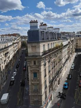 Location studio 29 m² Paris 14E - 900 €