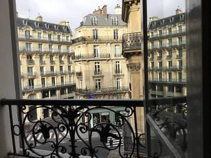 Location studio 28m² Paris 6E - 1.070€