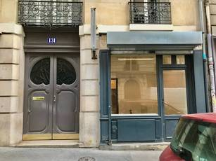 Location ou cession local commercial 30 m² Paris 18E - 1.300 €