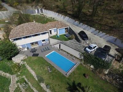 Vente maison 220m² Tourrettes-Sur-Loup (06140) - 850.000€