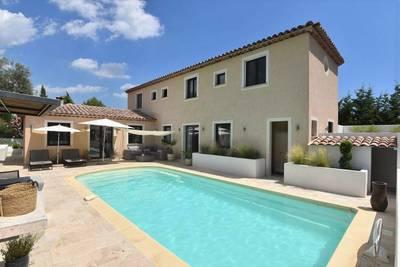 Vente maison 200m² Saint-Paul-En-Forêt - 630.000€