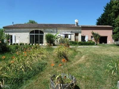 Vente maison 254m² Mauriac (33540) - 288.000€
