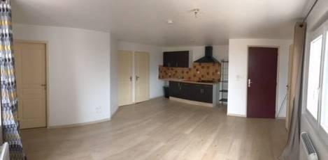 Location appartement 2pièces 40m² Pezenas (34120) - 496€