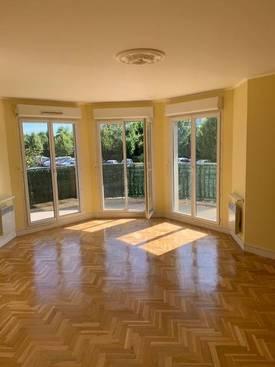 Location appartement 3pièces 65m² Montevrain (77144) - 1.200€