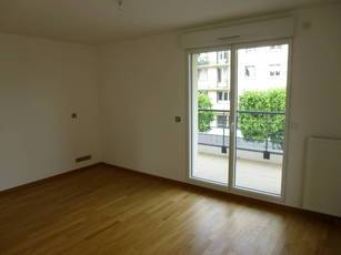 Location studio 28m² Montreuil (93100) - 825€
