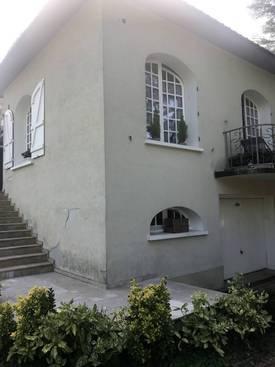 Location meublée maison 35m² Charbonnieres-Les-Bains (69260) - 470€