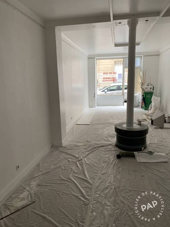Local commercial Paris 8E 2.540 €