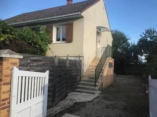 Location maison 90m² Breuillet - 1.090€