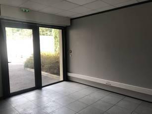 Location bureaux et locaux professionnels 17m² La Seyne-Sur-Mer (83500) - 535€