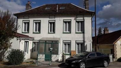 Vente maison 185m² Saint-Julien-Les-Villas (10800) - 190.000€