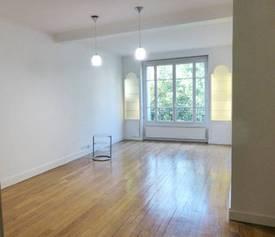 Location appartement 2pièces 66m² Paris 16E - 1.900€