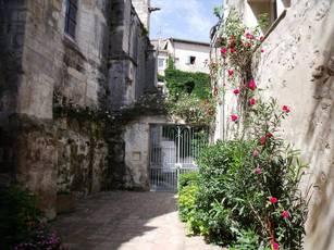 Location meublée studio 33m² Arles (13) - 550€