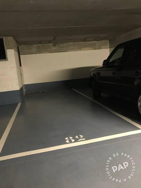 Location Garage, parking Paris 18E  145€