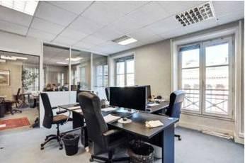 Location bureaux et locaux professionnels 60m² Paris 2E - 3.183€