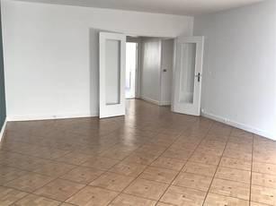 Location appartement 3pièces 76m² Paris 11E - 2.500€