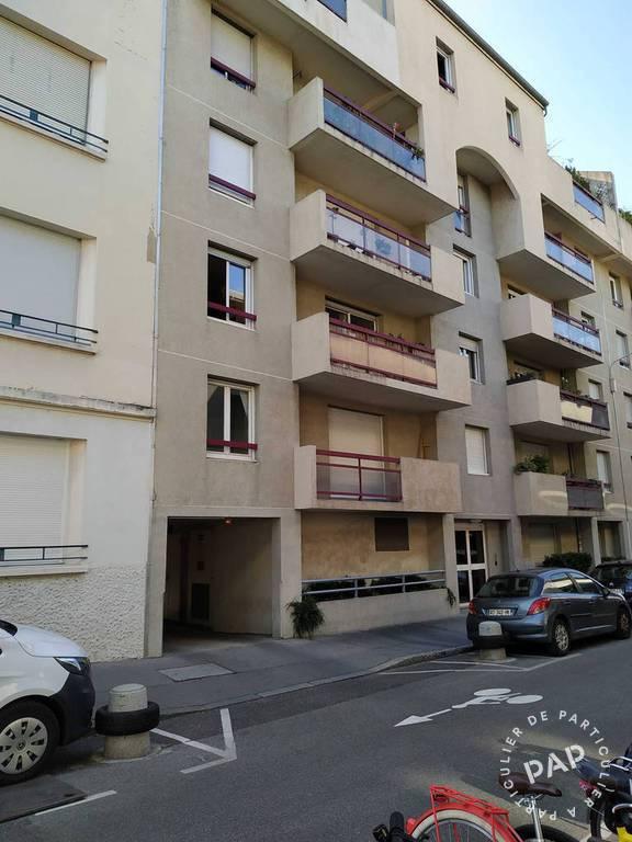 Location Garage, parking Lyon 8E  75€