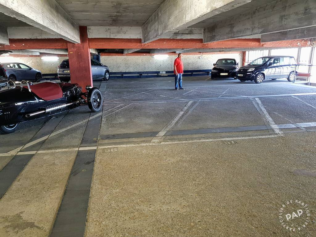 Location Garage, parking Paris 17E  135 €