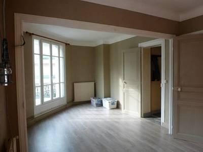 Location appartement 2pièces 40m² Paris 15E - 1.240€
