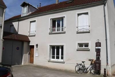 Location appartement 3pièces 55m² Brie-Comte-Robert (77170) - 800€