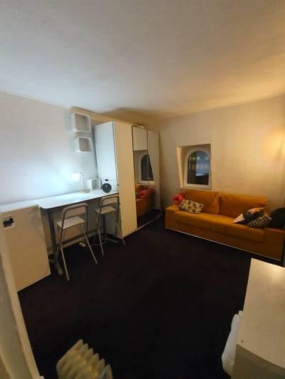 Location meublée studio 15m² Paris 17E - 830€