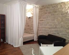 Location meublée studio 30m² Paris 9E - 1.260€