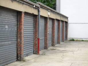 Location garage, parking Paris 15E - 150€