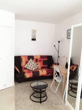 Location meublée studio 21m² Paris 18E - 830€