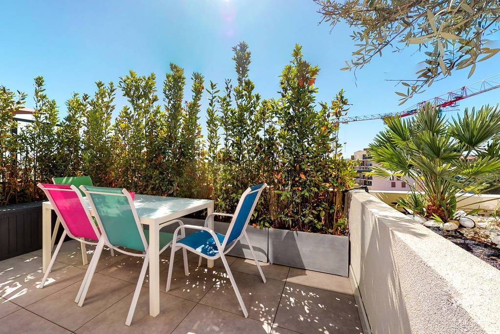 Location immobilier 1.600€ + 2 Boxs + 1 Cave - Antibes (06)