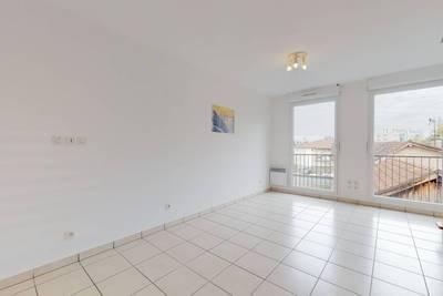 Vente appartement 3pièces 48m² - Rénové - Coeur De Ville - 160.000€