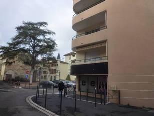 Location appartement 5pièces 120m² Bourgoin-Jallieu - 1.110€