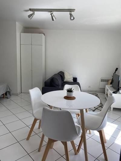 Location studio 30m² Issy-Les-Moulineaux (92130) (92130) - 900€