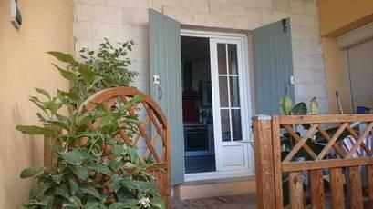 Location appartement 3pièces 98m² Saint-Geniès-De-Comolas - 710€