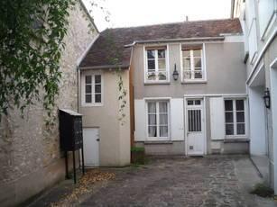 Location maison 49m² Moret-Sur-Loing - 638€