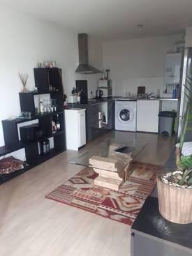 Location appartement 3pièces 57m² Cenon (33150) - 680€