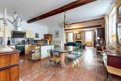 Vente appartement 8pièces 237m² Nîmes (30) - 480.000€