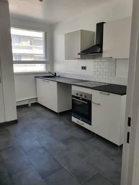 Location appartement 3pièces 65m² Aix-En-Provence - 1.090€