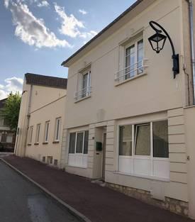 Location bureaux et locaux professionnels 70m² Vernouillet - 1.440€