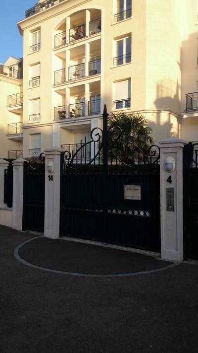 Location meublée appartement 2pièces 40m² Le Plessis-Robinson (92350) - 956€