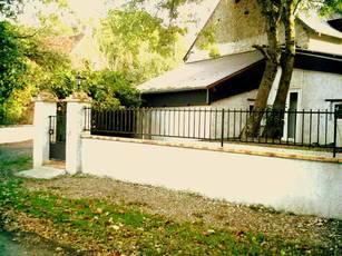 Location maison 66m² Neuilly-En-Sancerre (18250) - 410€