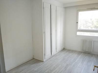 Location appartement 3pièces 64m² Paris 18E (75018) - 1.700€