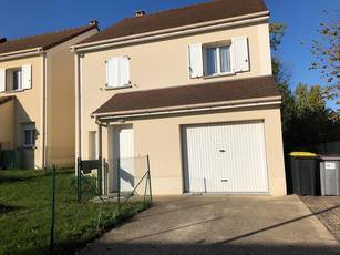 Location maison 117 m² Villabé (91100) - 1.341 €