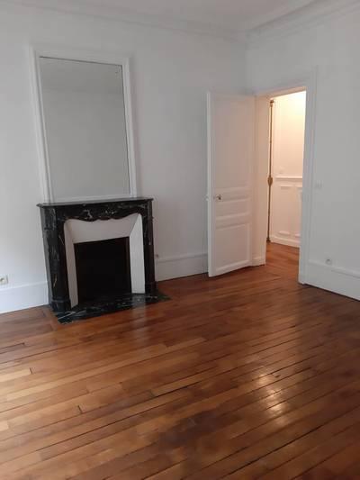 Location appartement 2pièces 56m² Paris 17E (75017) - 1.696€