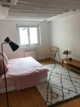 Location meublée studio 25m² Paris 9E (75009) - 1.200€