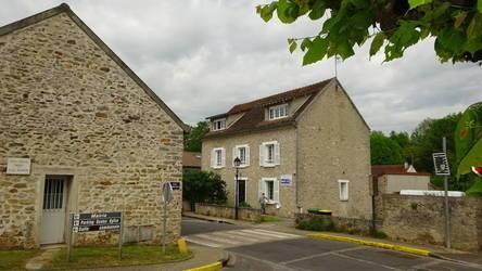 Location appartement 2pièces 40m² Janville-Sur-Juine (91510) - 660€