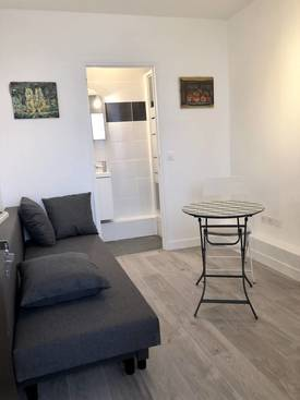 Location studio 11 m² Paris 15E (75015) - 700 €