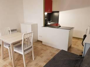 Location meublée studio 35m² Lille (59000) - 570€