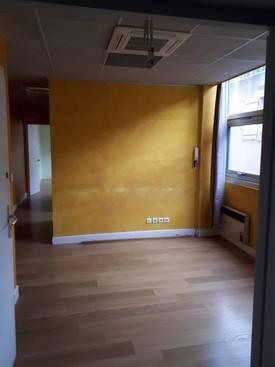 Location bureaux et locaux professionnels 58m² Cahors (46000) - 600€