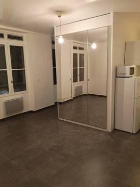 Location studio 28m² Paris 10E (75010) - 1.050€