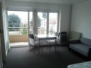 Location meublée studio 32m² Bourg-La-Reine (92340) - 945€