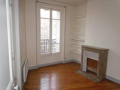 Location appartement 2pièces 35m² Issy-Les-Moulineaux (92130) - 1.050€